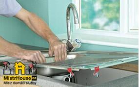 Montáž mytí v kuchyni